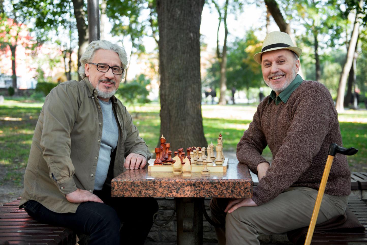 incontro di due uomini gay adulti per relazione seria